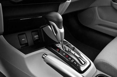 kỹ thuật lái xe số tự động an toàn