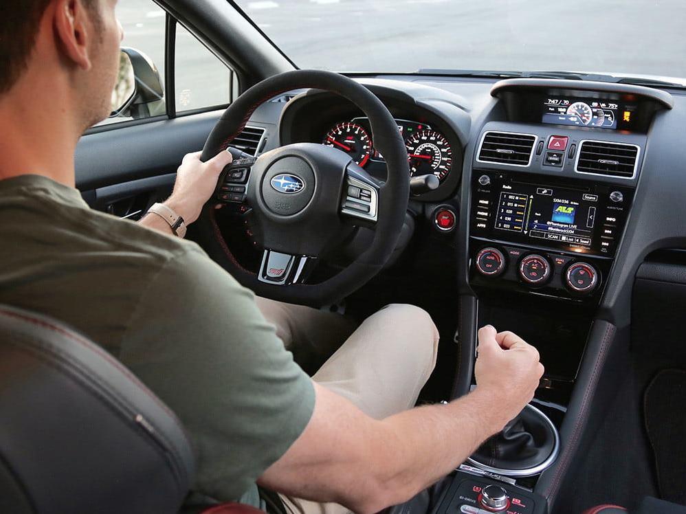 kỹ thuật lái xe số tự động dễ hiểu