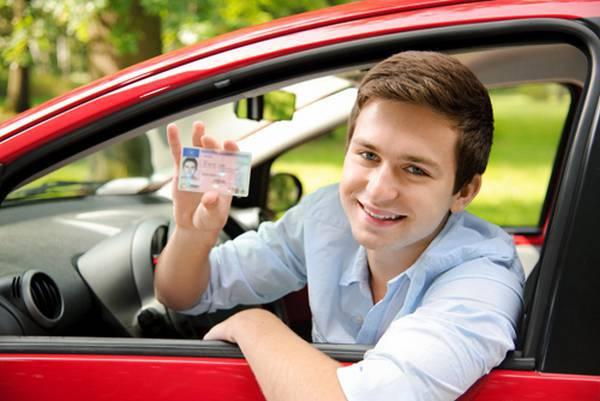 Quy định tuổi học bằng lái xe ô tô hạng B2