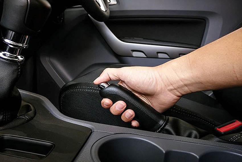 cách xử lý xe ô tô bị bó thắng