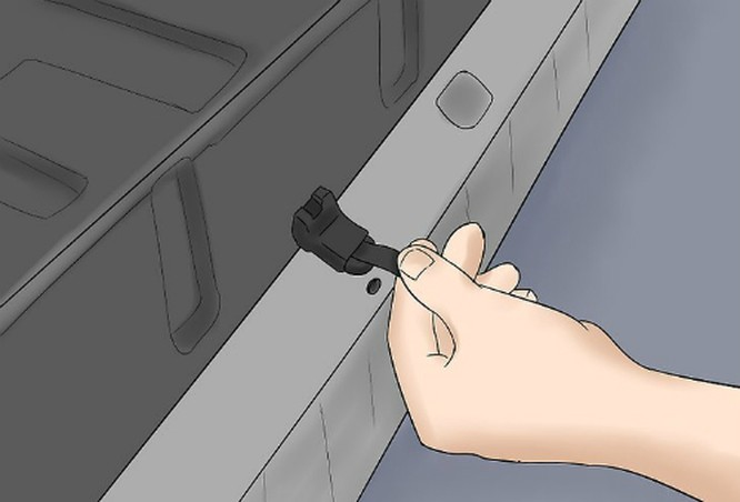 Cách mở xe từ cốp sau